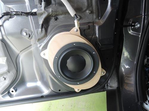 スバルアウトバックディナウディオMW162取付