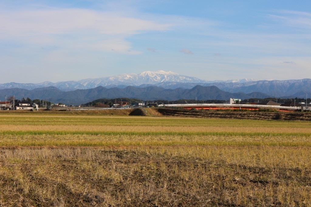 加賀市大聖寺から見る白山
