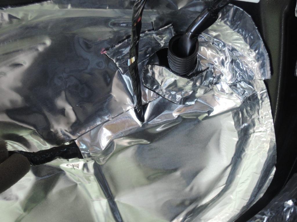 オートバックスのデッドニングミス例