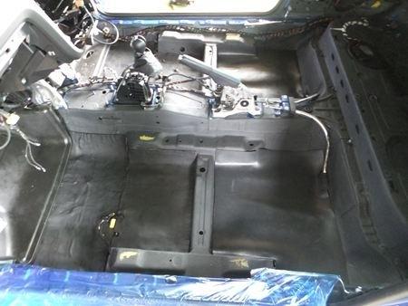 VWシロッコ フロア制振、遮音シート敷き詰め
