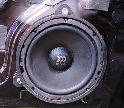 日産NV モレルmaximus602ミッドバス取付