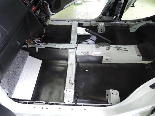アルトターボRSフロア制振静音シート